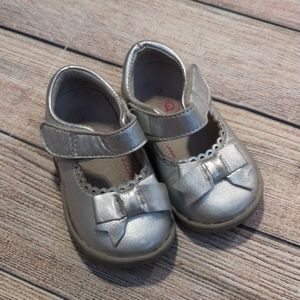Pediped Silver Grip'n'Go Shoes With Bows.